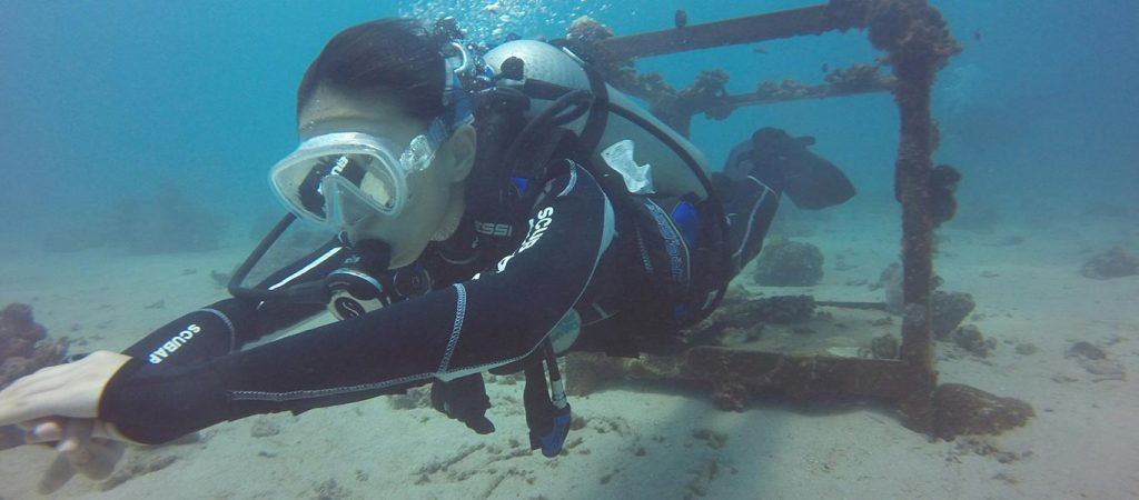 padi advanced open water course asia divers puerto galera