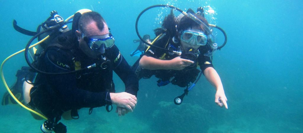 padi discover scuba course asia divers puerto galera