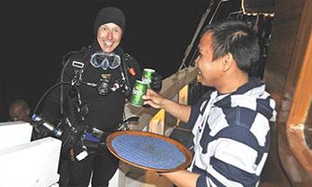 liveaboard diving