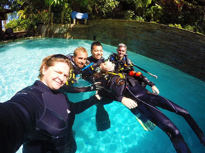 padi instructor courses asia divers puerto galera