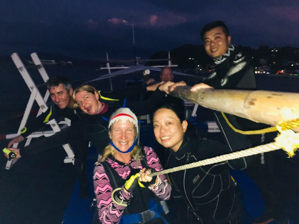 Alma Jane wreck night dive Puerto Galera
