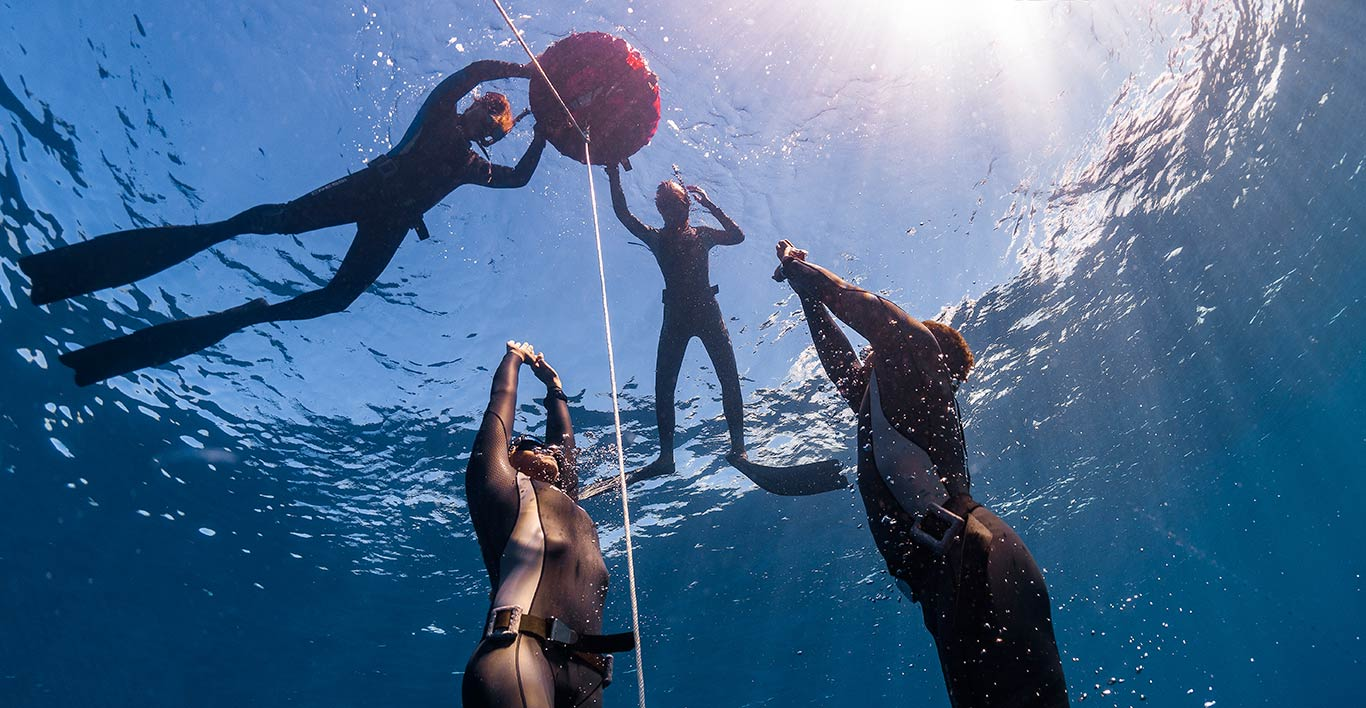 padi freediving coaching asia divers puerto galera