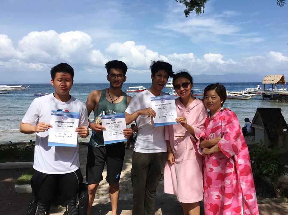 PADI Open Water divers asia divers puerto galera