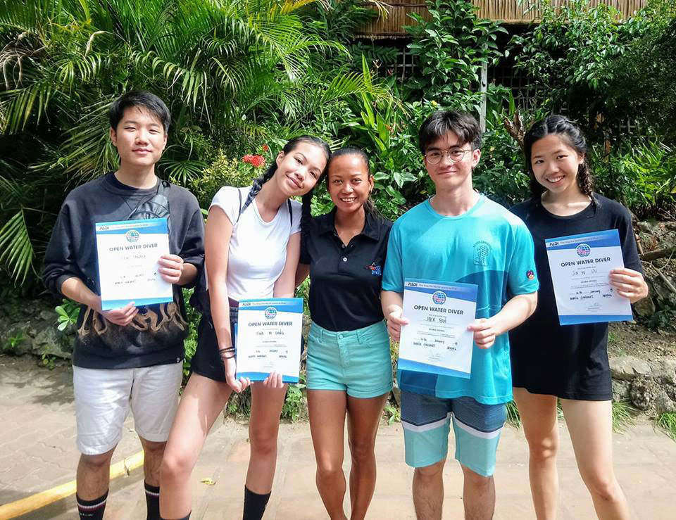 british international school vietnam padi advanced scuba students asia divers puerto galera