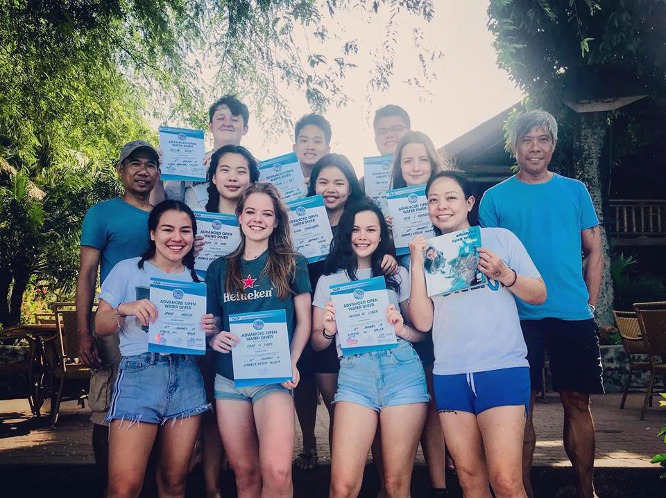 british international school vietnam scuba students asia divers puerto galera