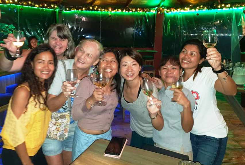 point bar sabang puerto galera