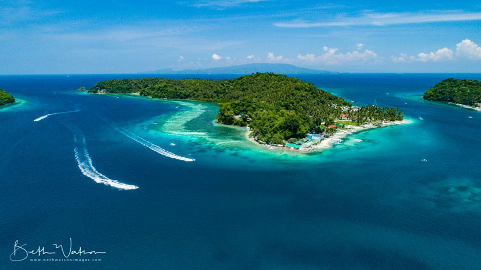 manila channel dive site puerto galera asia divers