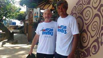 2500 dives award asia divers puerto galera
