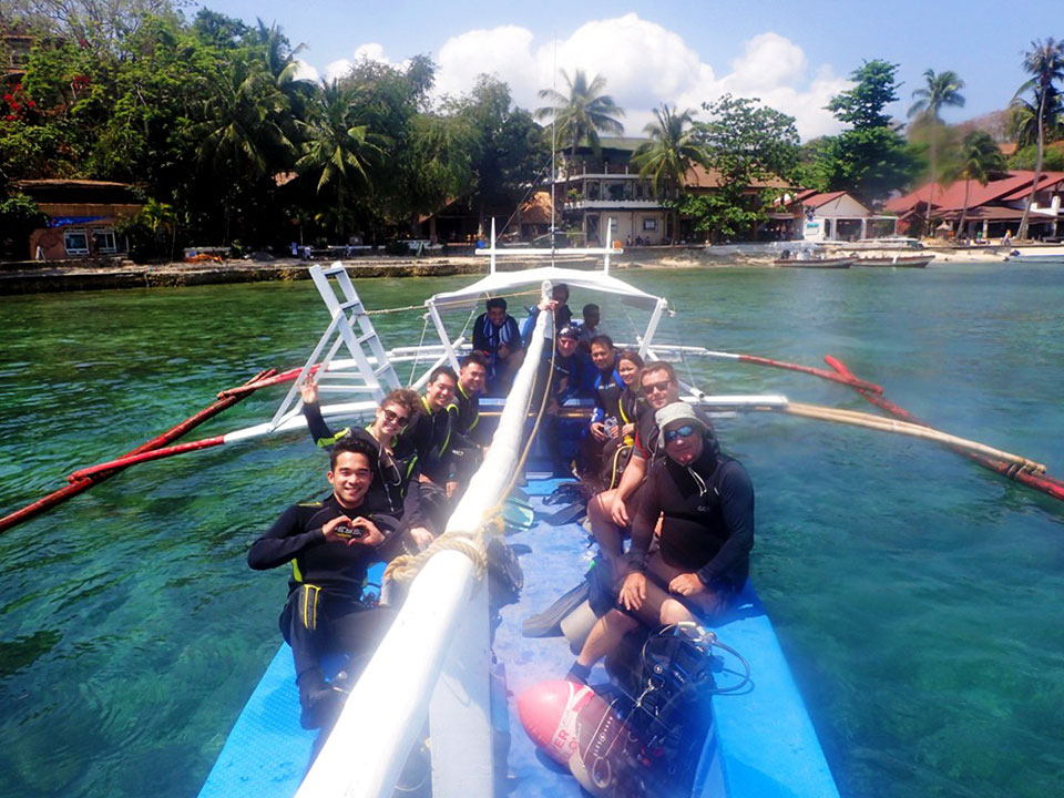 discover scuba diving group puerto galera asia divers