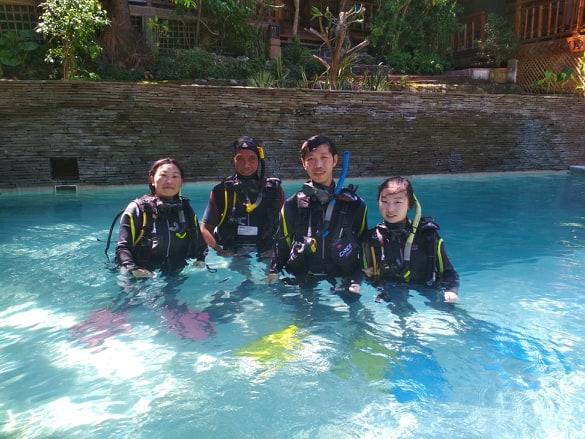 Learn to scuba dive in Puerto Galera at El Galleon Dive Resort