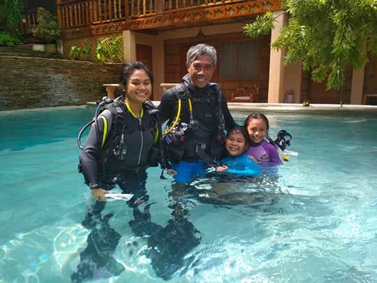 scuba diving lessons puerto galera philippines